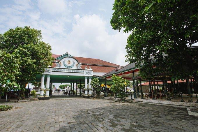 Keraton Yogyakarta - Tempat Wisata di Jogja