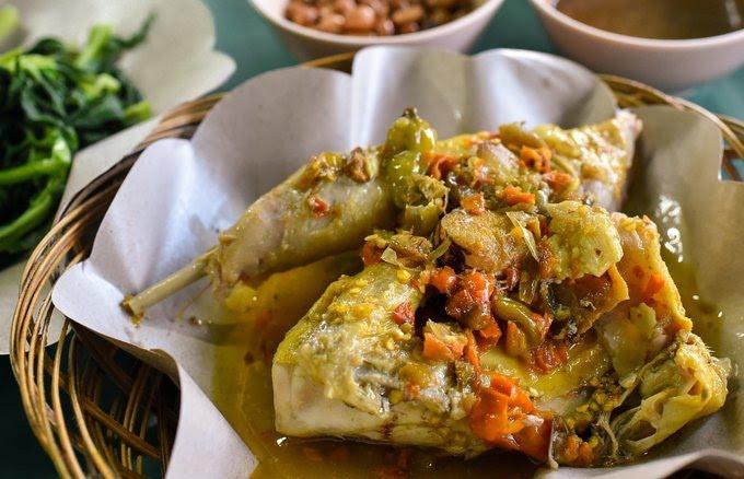 Ayam Betutu, Makanan Khas Bali
