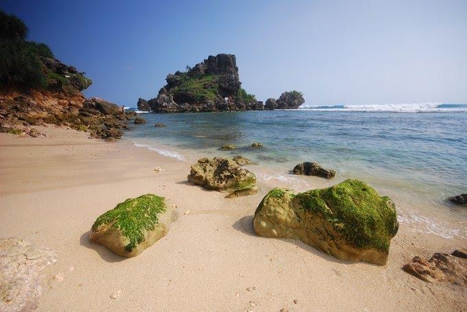 Pantai Nglambor - Wisata Alam Jogja